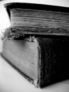 450px-Old_books